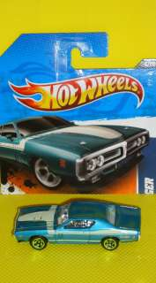 2011 HOT WHEELS   MUSCLE MANIA 11   71 DODGE CHARGER
