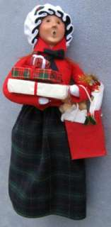 Byers Choice Caroler Traditional Shopper Woman NEW