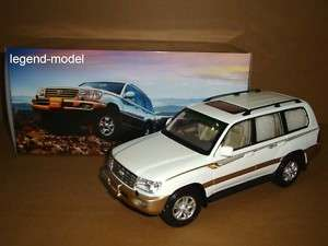 18 Toyota Landcruiser Land Cruiser LC100 white color